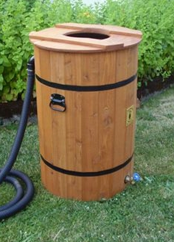 Closed Lid Deluxe Rainbarrel